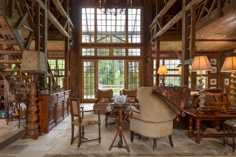 Farmhouse with barn in Pennsylvania
