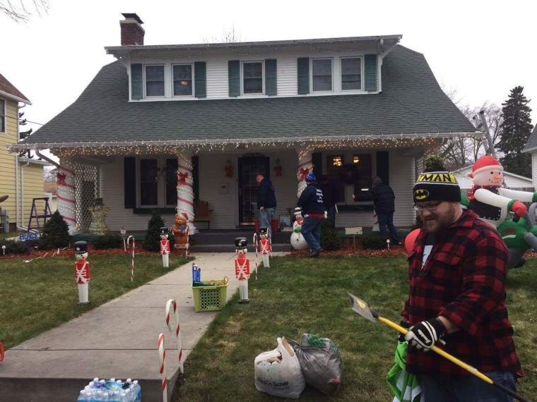 Volunteers from Wisconsin Chive and Chive on Chicago visited the Salcherts home earlier this month to spread some holiday cheer.