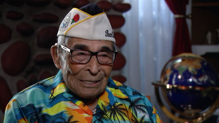 Ray Chavez receives a hero's welcome upon arriving in Hawaii