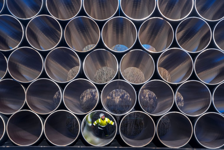 Image: First pipes delivered for Nord Stream gas pipeline