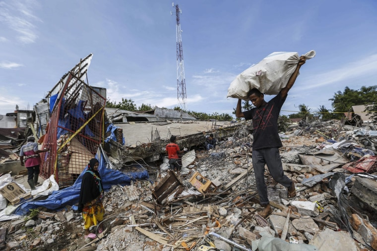 Image: Earthquake in Aceh, Indonesia