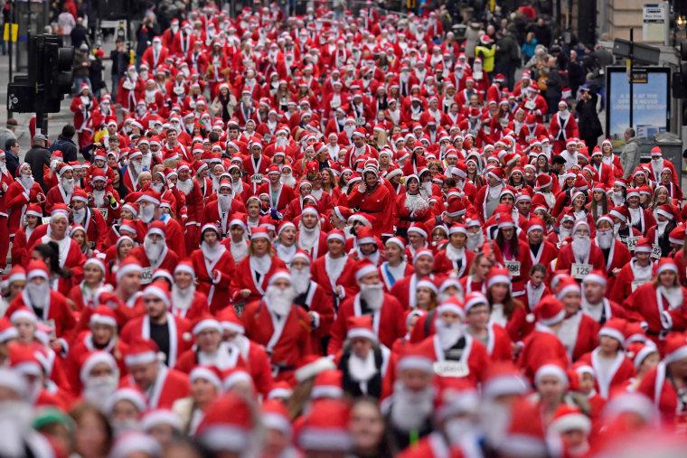 Image: Glasgow Santa Dash