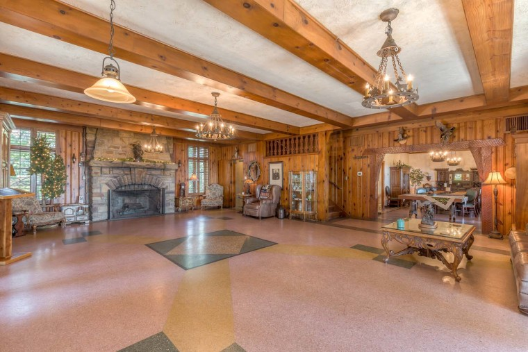 Skelly Lodge Green Country Real Estate Photography