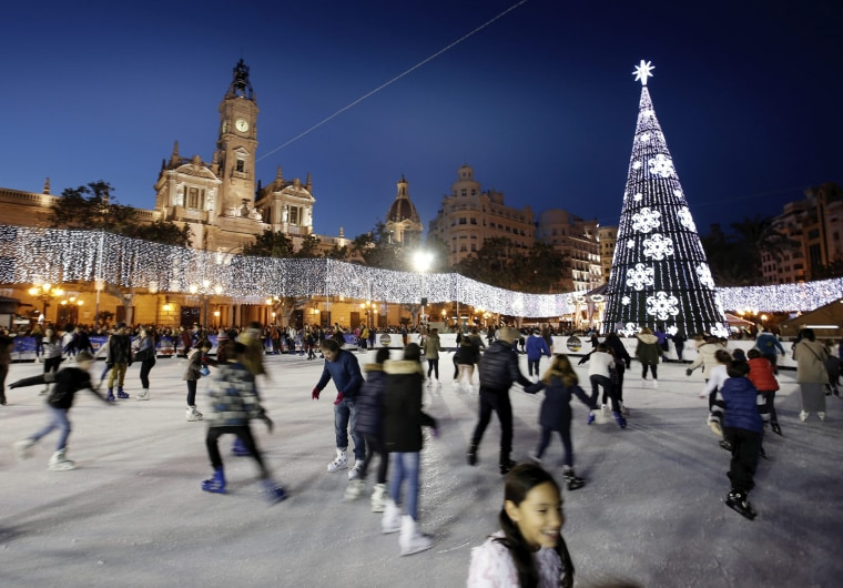 Image: ICE RINK IN VALENCIA