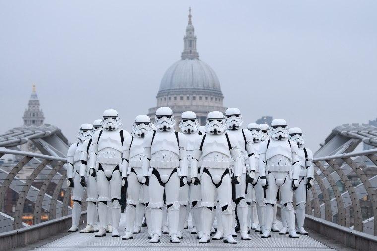 Image: *** BESTPIX *** Stormtroopers Greet Commuters On The Millennium Bridge