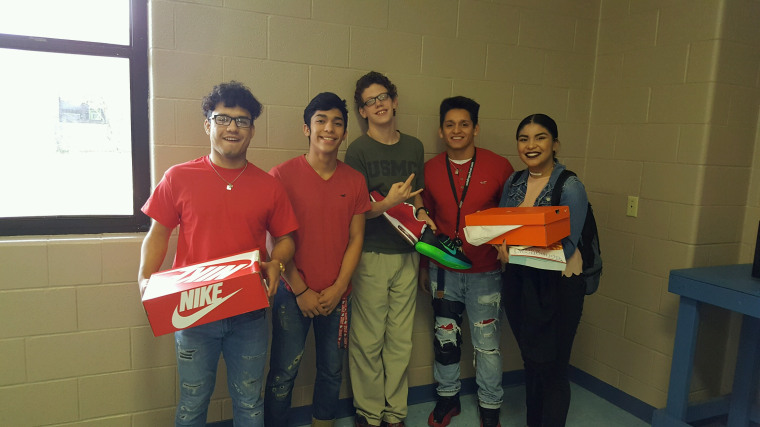 a christmas to remember teens band together to buy classmate new shoes - A Christmas To Remember