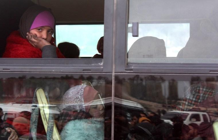 Image: Civilian evacuation from Aleppo