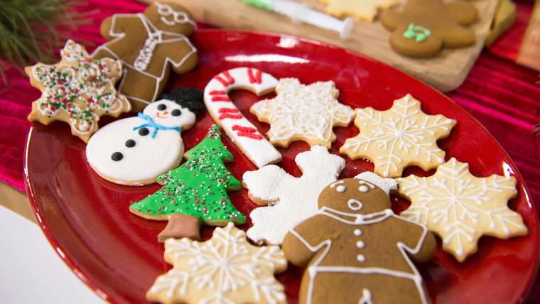 CafeMom contributor Nancia Walsh shares her tricks for make the prettiest and tastiest Christmas cookies and other holiday cookies, how to keep your cookies fresh and how to fix the ones you messed up! TODAY, December 22, 2016.