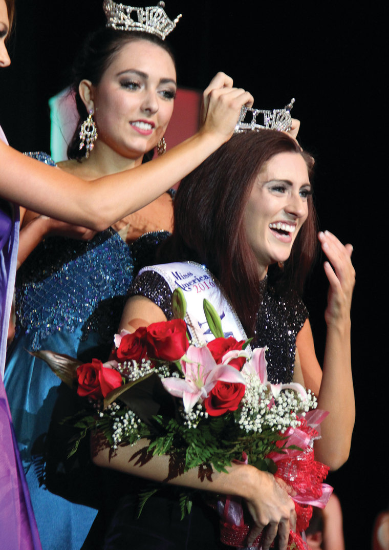 Miss Missouri 2016 Erin O'Flaherty is crowned in Mexico, Missouri on June 18.