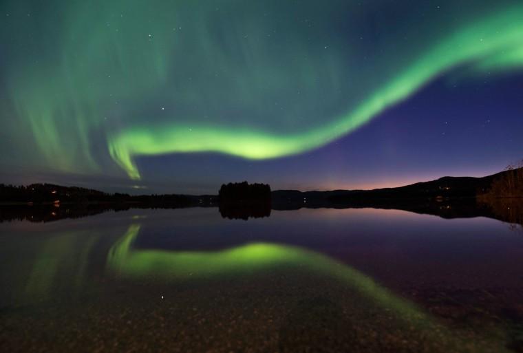 Image: TOPSHOT-SWEDEN-SPACE-WEATHER-AURORA