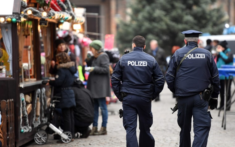 Image: Security at Christmas market in Potsdam