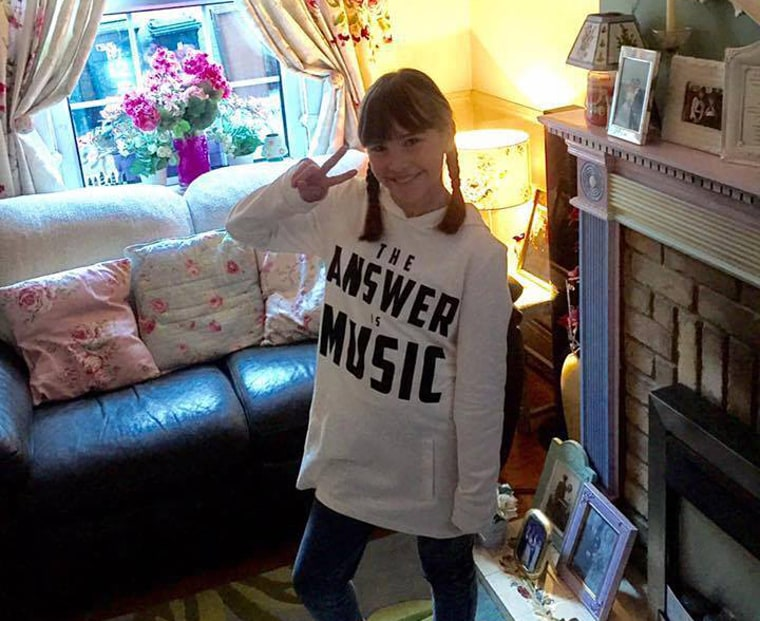 Girl With Autism's Christmas Rendition of 'Hallelujah' Goes Viral