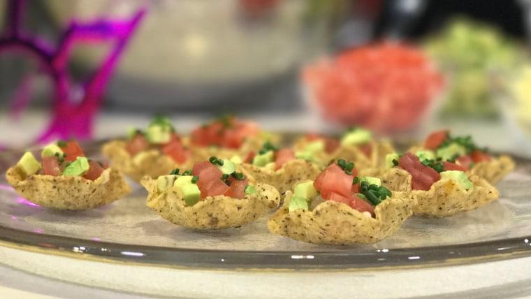 Mini Taco Salad Bowl Appetizers