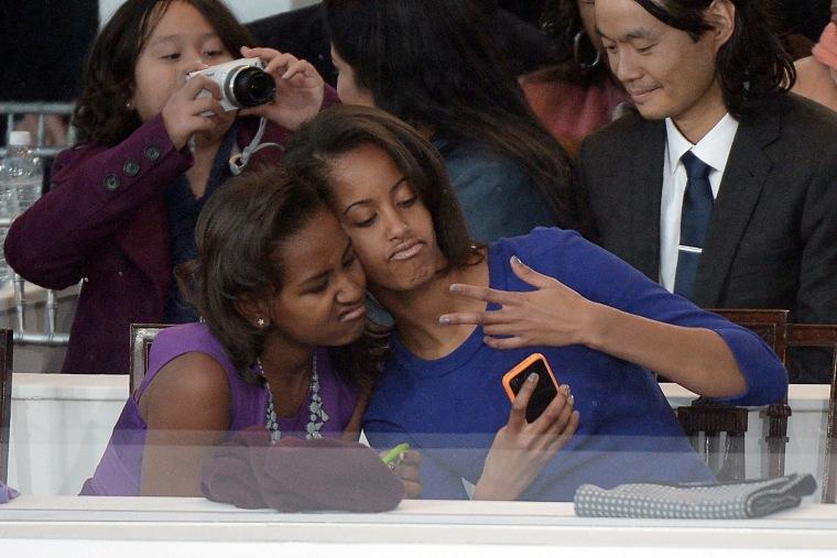 Sasha Obama, Malia Obama take a selfie