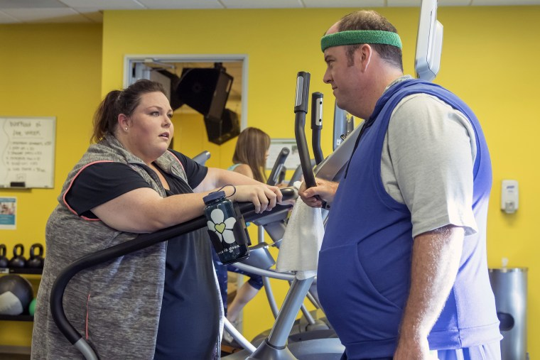 """THIS IS US -- """"The Big Three"""" Episode 102 -- Pictured: (l-r) Chrissy Metz as Kate, Chris Sullivan as Toby"""