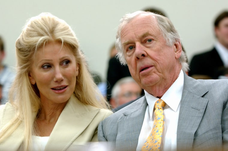 Image: T. Boone Pickens, right, with his then-wife, Madeleine