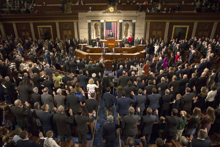 Image: Members of 115th Congress are sworn into office at the U.S. Capitol