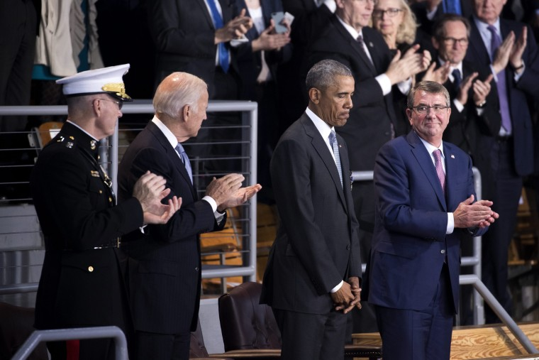 Image: President Barack Obama and  Secretary of Defense Ash Carter participate in an Armed Forces Full Honor Review Farewell Tribute in his honor at Conmy Hall, Joint Base Myer-Henderson Hall in Arlington, Virginia on Jan. 4, 2017.