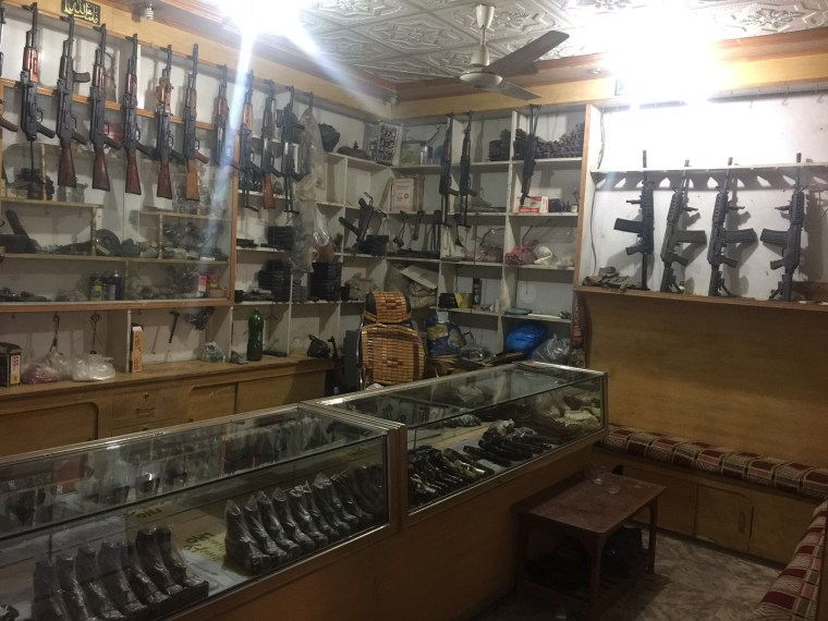 Image: Gun shop in Darra Adam Khel