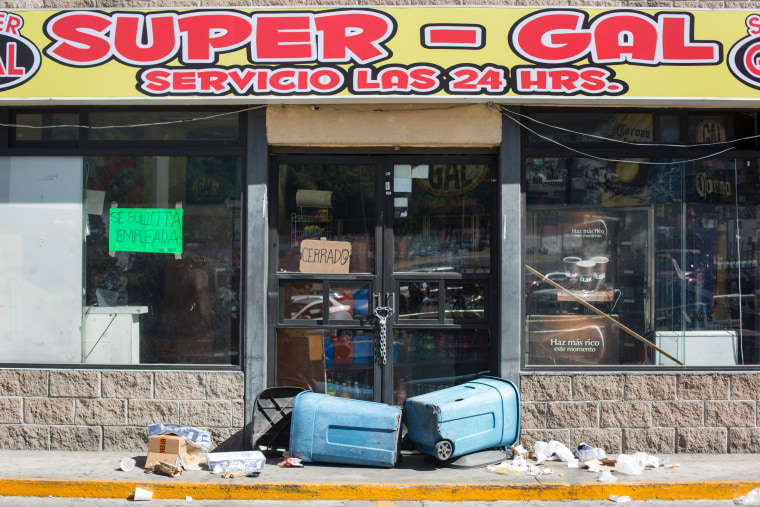Image: A vandalized gas station sits abandoned following protests on Jan. 4 in Mexico City.