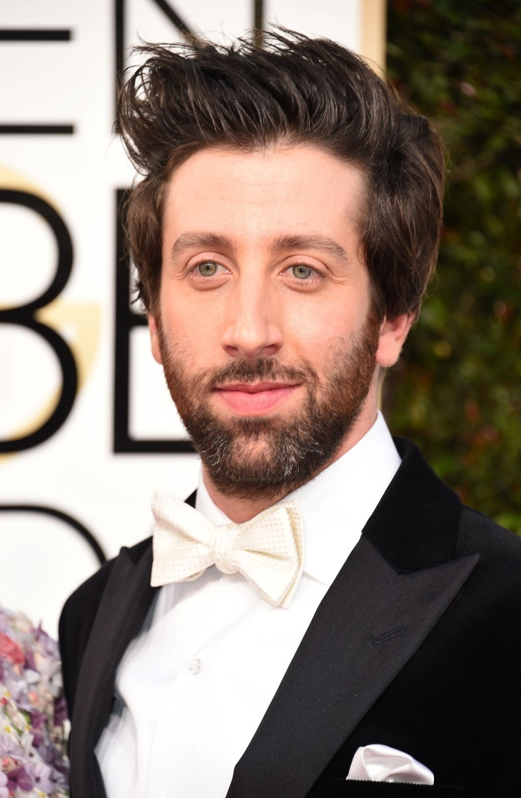 Simon Helberg arrives at the 74th annual Golden Globe Awards, January 8, 2017, at the Beverly Hilton Hotel in Beverly Hills, California.