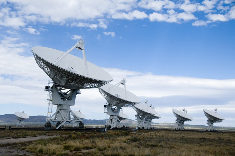 Image: New Mexico's Very Large Array Radio Telescope.