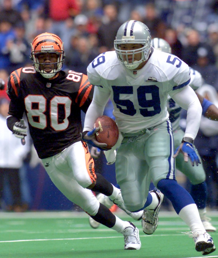 Image: Dallas Cowboys linebacker Dat Nguyen