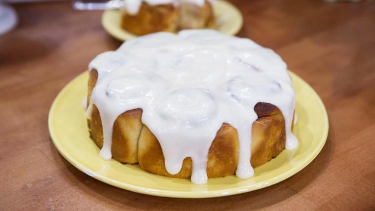 Banana Bread Cinnamon Rolls with Cream Cheese Glaze
