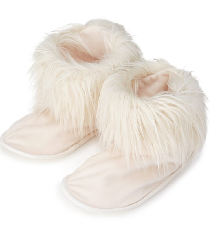 Throw These 20 Slippers in the Microwave for the Coziest Night Ever
