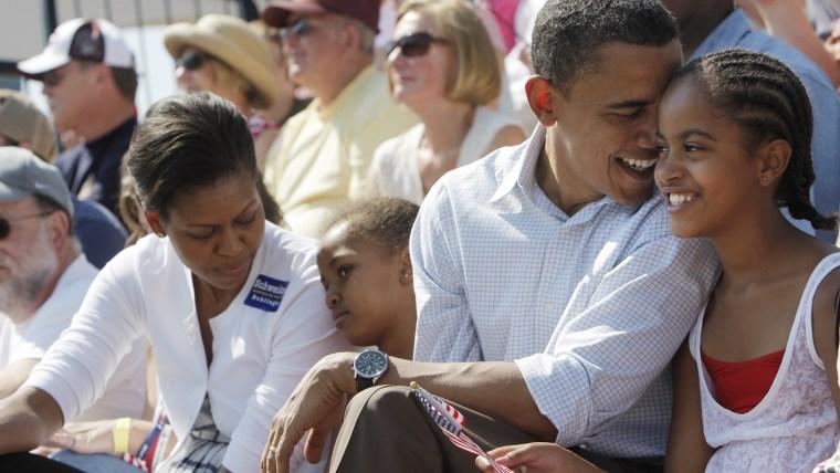 Image: Barack Obama, Michelle Obama, Malia Obama, Sasha Obama