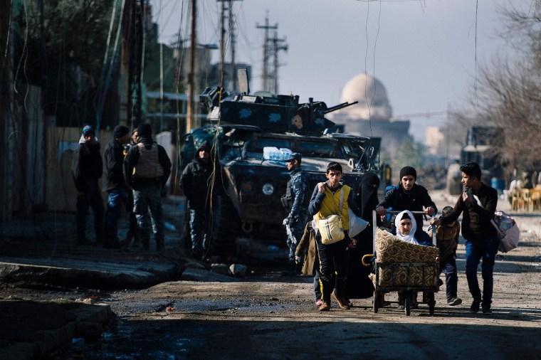 Image: Iraqi Forces Battle ISIS in Mosul's Neighborhoods