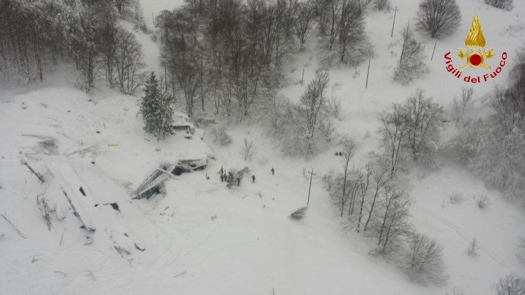 Image: Avalanche in Italy leaves up to 30 feared dead