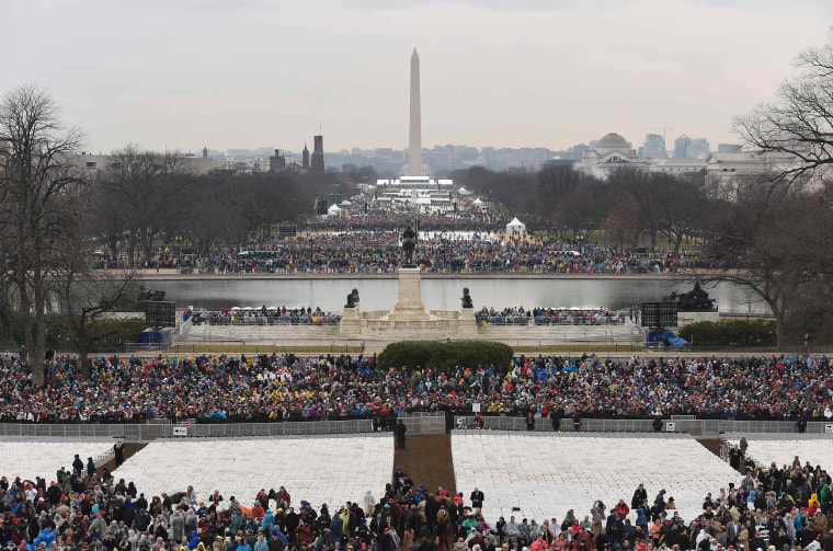 Image: Members of the public arrive on the Mall in Washington