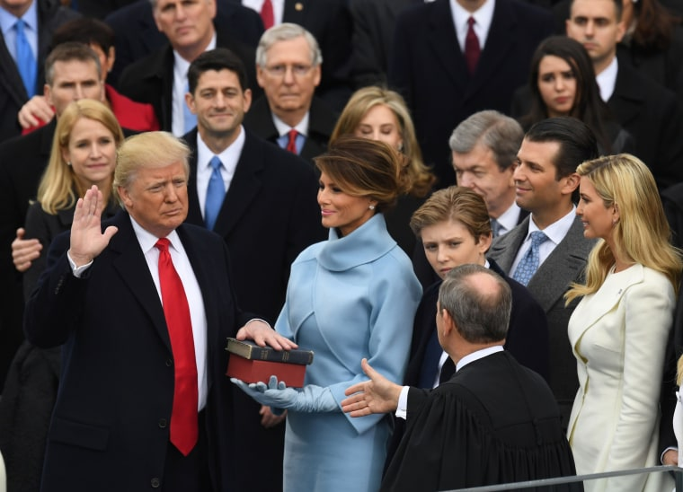 Image: US-POLITICS-TRUMP-INAUGURATION-SWEARING IN