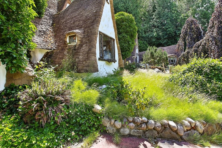 Home that looks like Snow White's cottage