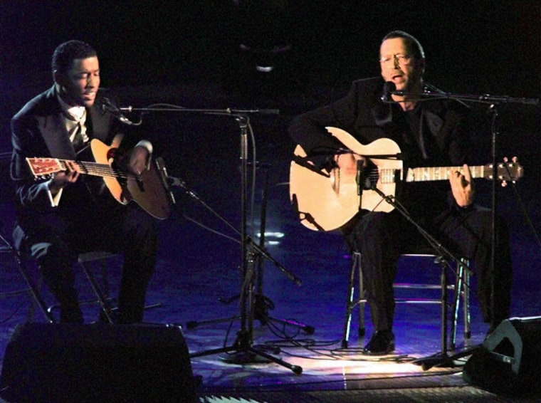 """Eric Clapton and Babyface perform """"Change The World."""""""