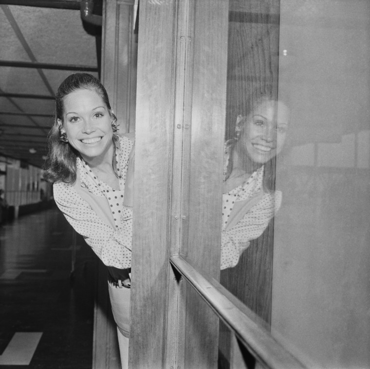 Image: American actress Mary Tyler Moore leaves London Airport (Heathrow), London, 12th July 1969.