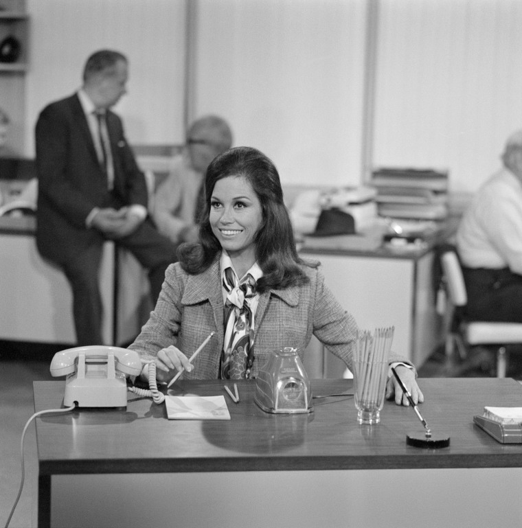 Image: Mary At Her Desk In Still From 'Mary Tyler Moore'
