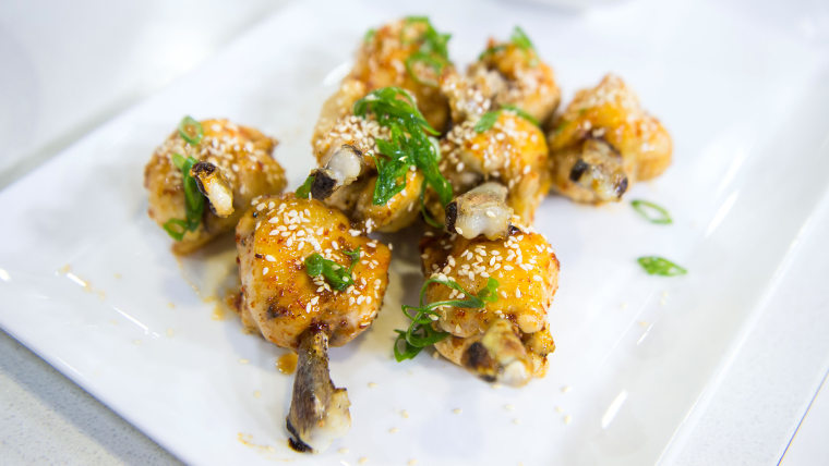 Chef Gordon Ramsay shares his heart healthy Super Bowl recipes for lighter versions of two game day favorites: chicken wings and sausage rolls.