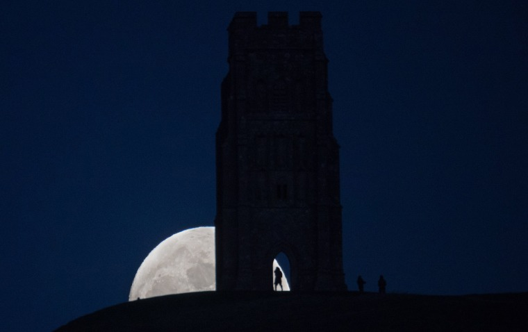 Image: Wolf Moon Rises Over Glastonbury Ahead Of Met Office Severe Weather Warnings