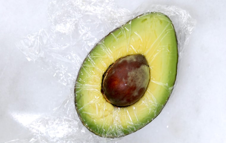 How to keep avocado fresh and green