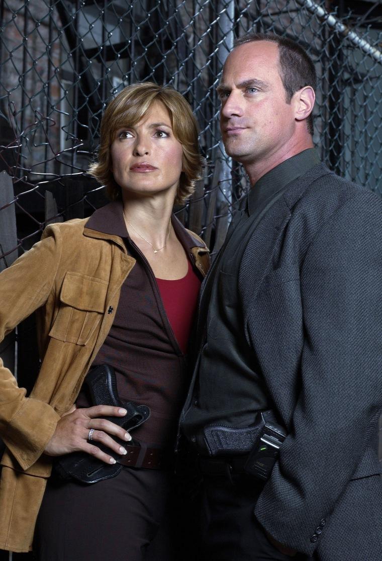 LAW & ORDER: SPECIAL VICTIMS UNIT -- Season 5 -- Pictured: (l-r) Mariska Hargitay as Detective Olivia Benson, Christopher Meloni as Detective Elliot Stabler
