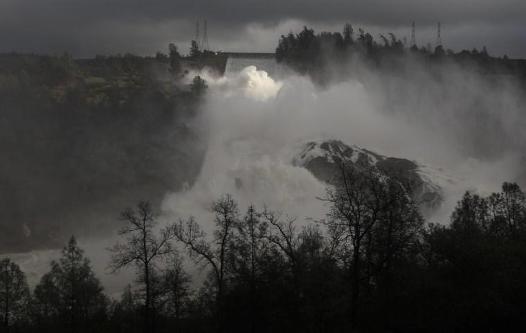 Image: Lake Oroville Dam