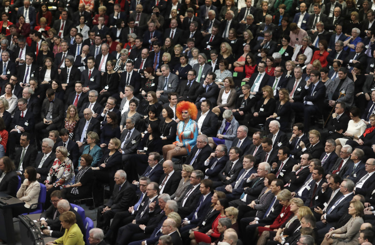 Image: Drag Queen Olivia Jones, member of the electoral college, center, attends a German parliamentary assembly