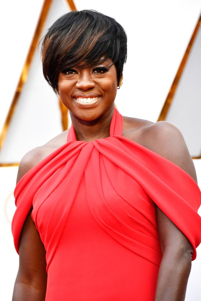 Viola Davis Oscars red carpet 2017