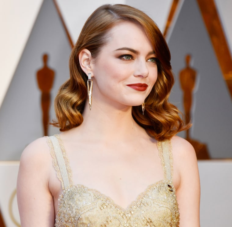 Emma Stone Oscars red carpet 2017