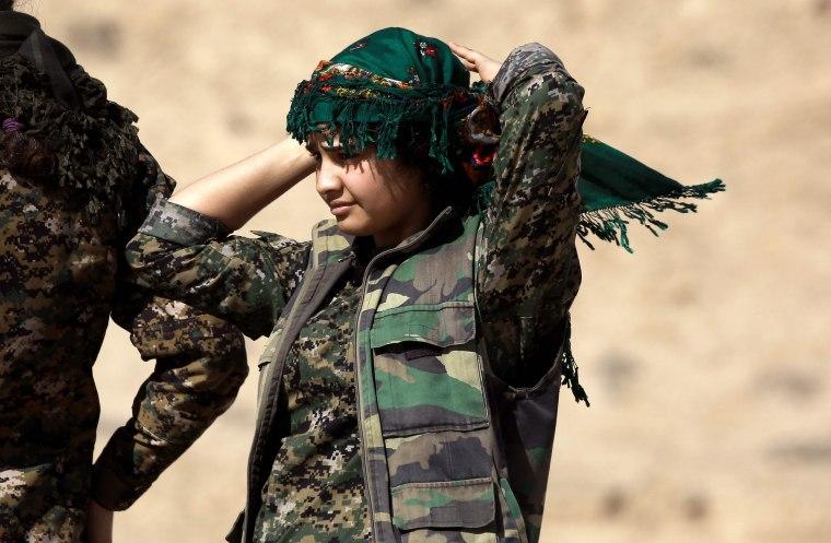 Image: TOPSHOT-SYRIA-CONFLICT-KURDS-RAQA-DEIR EZZOR
