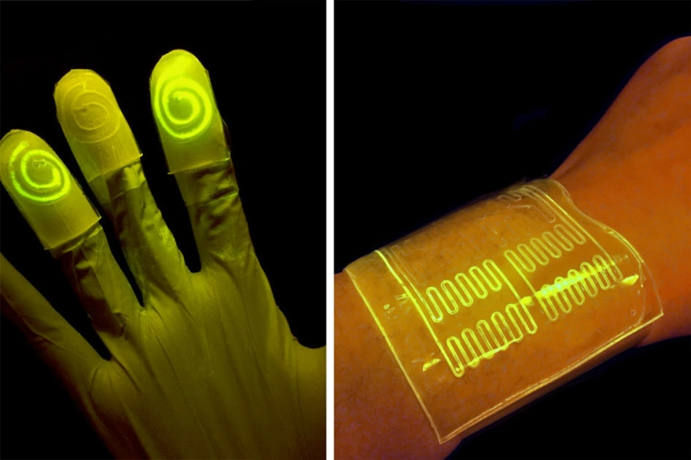 Image: Glowing gloves