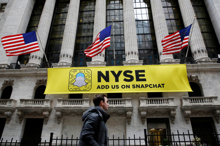 Image: A Snapchat sign on the facade of the NYSE in New York City