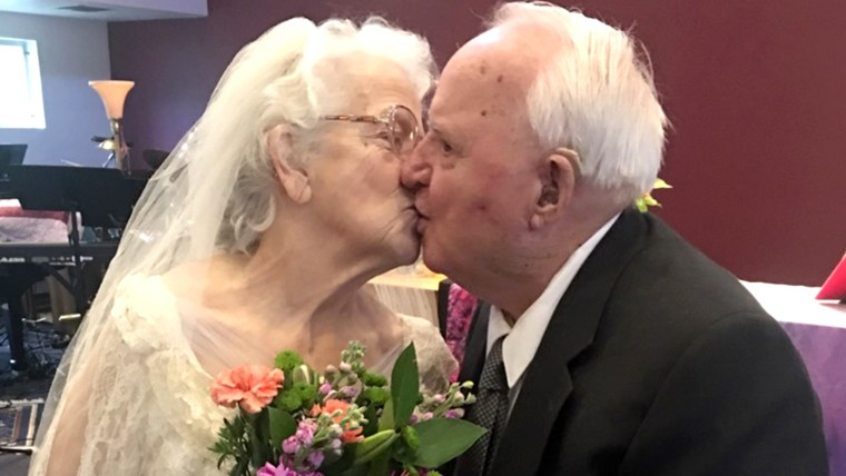 Carol and Bob Bates celebrated their 60th wedding anniversary